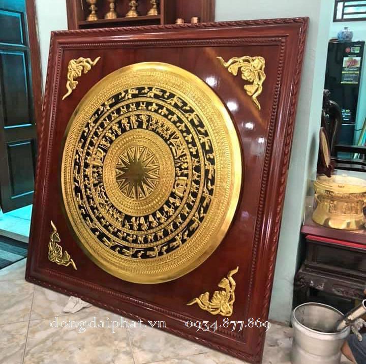tranh trống đồng dát vàng đóng khung tại hồ chí minh