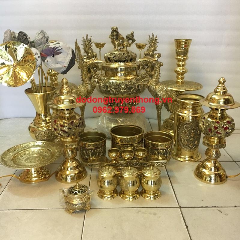 Bán bộ đồ thờ cho bàn thờ con cả bằng đồng dapha nguyên chất hoa văn sắc nét