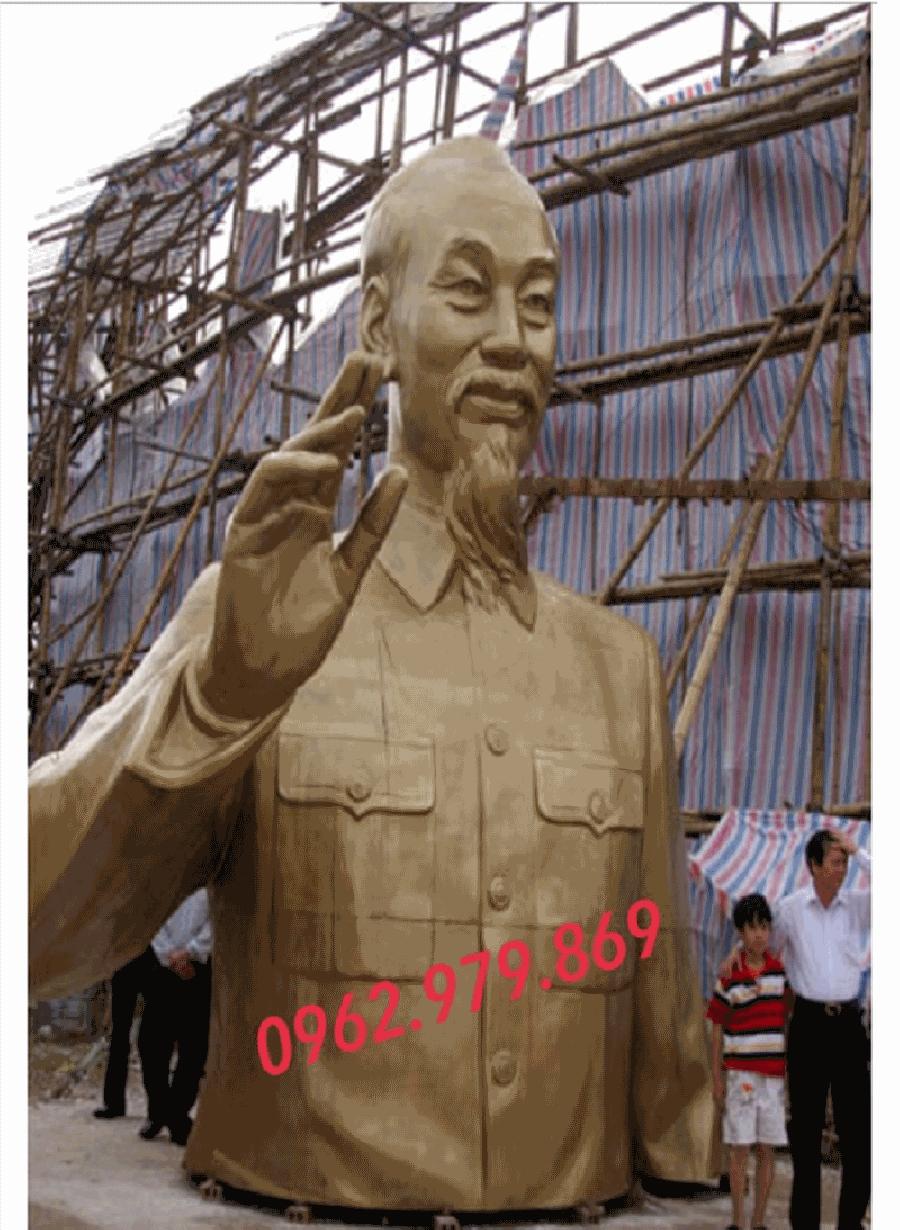 giá tượng bác hồ bằng đồng đúc tượng đài chủ tịch Hồ Chí Minh