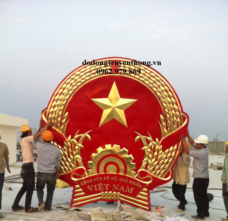Cơ sở chuyên nhận sản xuất quốc huy bằng đồng 3,5m treo toà nhà cao tầng khu hành chính nhà nước.
