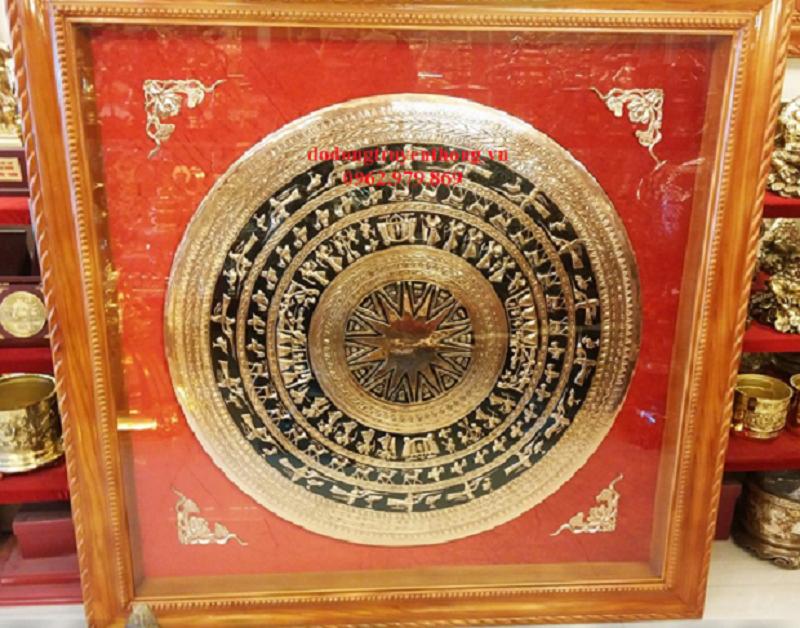 tranh trống đồng tặng tân gia